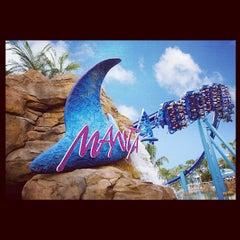 Photo taken at Manta by Orlando e. on 10/28/2012