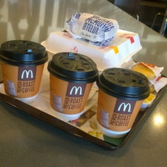 Photo taken at McDonald's by Hou F. on 5/24/2015