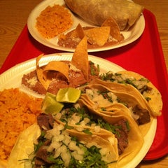 Photo taken at Taqueria Los Ocampo #2 by Yer M. on 4/4/2013