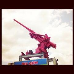 Photo taken at Big Gun Chinese Restaurant (廣州樓) by Justin on 12/9/2012