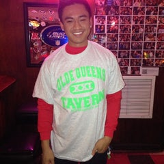 Photo taken at Olde Queens Tavern by Yangchen G. on 11/13/2012