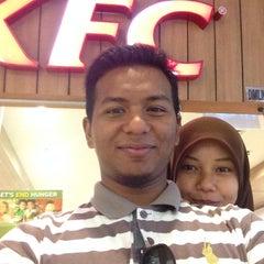 Photo taken at KFC by Hasan Fikri on 8/28/2014