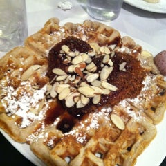 Photo taken at Dame's Chicken & Waffles by Sara E. on 1/24/2013
