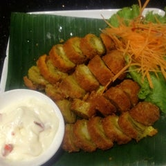 Photo taken at Viet Cafe & Restaurant by Venux X. on 10/25/2012