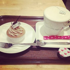 Photo taken at モスカフェ 西銀座店 by ぱん on 1/24/2013