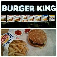 Photo taken at Burger King (เบอร์เกอร์คิง) by Brad K. on 2/3/2015