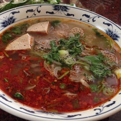 Photo taken at Pho Long Thinh by Naoto S. on 7/29/2014