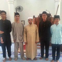 Photo taken at Surau Al Raudhah As Sakinah Pulai Emas by Raihan R. on 10/24/2014