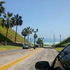Photo taken at Circuito de Playas - Miraflores by Pati Muñoz (Peru) on 4/14/2013