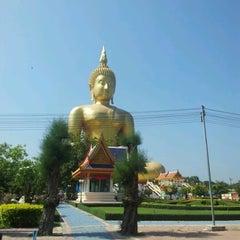 Photo taken at วัดม่วง (Wat Muang) by Rungpet J. on 12/27/2012