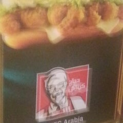 Photo taken at دجاج كنتاكي | KFC by Moode on 10/21/2012