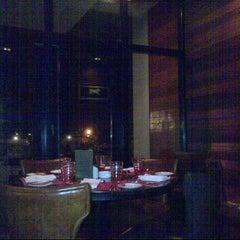 Photo taken at Chamas Churrascaria & Bar مطعم شاماس البرازيلي by بوظبي د. on 3/3/2013