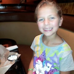 Photo taken at LongHorn Steakhouse by Melissa H. on 9/7/2013