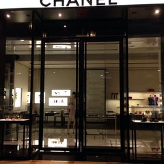Photo taken at CHANEL Boutique by BiliTo . on 5/12/2014