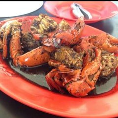 Photo taken at Dandito Seafood | Restaurant by Pupung P. on 6/10/2015
