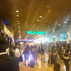 Photo taken at Aeropuerto Internacional Monseñor Óscar Arnulfo Romero (SAL) by Fernando E. on 2/13/2013