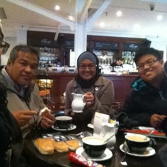 Photo taken at The Cafè At Craven Cottage by Farah Najiha N. on 2/10/2013