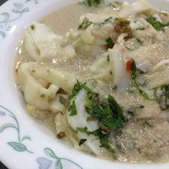 Photo taken at Restoran Hatinie by Lorena R. on 3/1/2013