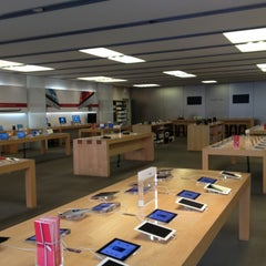 Photo taken at Apple Store, Suburban Square by Kevin on 12/24/2012