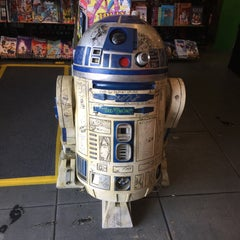 Photo taken at Golden Apple Comics by David L. on 8/19/2015