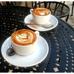 Photo taken at Espresso Vivace by Michelle on 8/5/2013