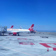 Photo taken at Virgin America Flight 744 by Michelle on 5/20/2013