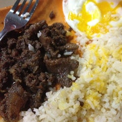 Photo taken at Do-Re-Me Tapsilugan by Kelly C. on 10/21/2012