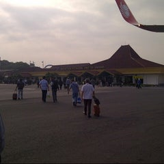 Photo taken at Ahmad Yani International Airport (SRG) by Ndree on 1/21/2013