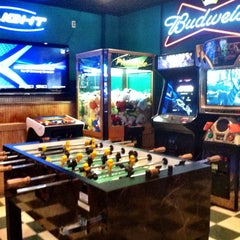Photo taken at Putters Sports Grill by Jan C. on 10/17/2012