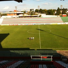 Photo taken at Estádio Vermelhão da Serra by Rádio C. on 1/23/2013