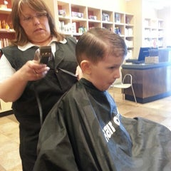 Photo taken at Hair Cuttery by Lauren E. on 5/23/2013