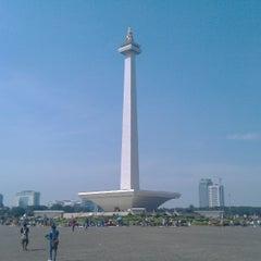 Photo taken at Monumen Nasional (MONAS) by Joeri Van de Velde on 6/2/2013