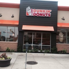 Photo taken at Dunkin Donuts by Korima Y. on 6/9/2014