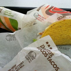 Photo taken at Taco Bell by Vincent A. on 10/28/2012