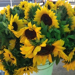 Photo taken at SoCo Farmers Market by SoCal Gal on 10/12/2013