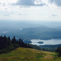 Photo taken at Sommet du Mont-Tremblant Summit by Savitre on 8/15/2015