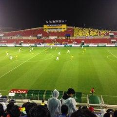 Photo taken at 광양축구전용구장 (Gwangyang Football Stadium) by WS L. on 9/23/2015