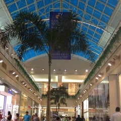 Foto tirada no(a) Shopping Center Iguatemi por Eder L. em 11/22/2012