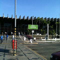 Photo taken at Terminal Rodoviário Governador Israel Pinheiro by Diogo F. on 10/26/2012