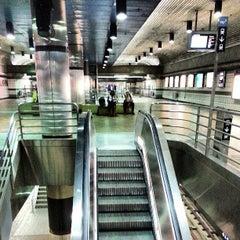 Photo taken at 7th St/Metro Center (Julian Dixon) Metro Station by Photo L. on 6/22/2013