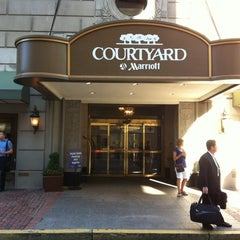 Photo taken at Courtyard Boston Downtown / Tremont by Наталья К. on 6/20/2013
