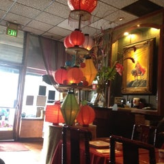 Photo taken at Taiwan Restaurant Willow Glen by Mark Z. on 11/20/2011