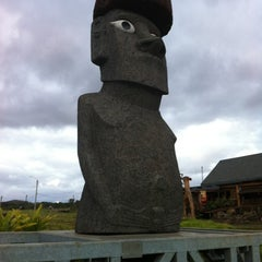 Photo taken at Isla de Pascua | Rapa Nui by César E. on 11/10/2011