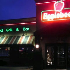 Photo taken at Applebee's by Adamo on 12/22/2011