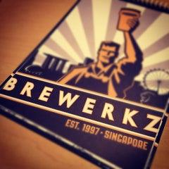 Photo taken at Brewerkz Restaurant & Microbrewery by Alvin B. on 8/8/2012