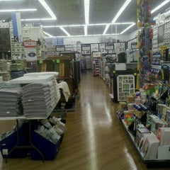 Photo taken at Bed Bath & Beyond by ALEX S. on 3/6/2011