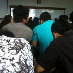 Photo taken at Fakultas Bisnis Telekomunikasi dan Media by Clickfest 2. on 2/18/2012