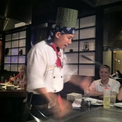 Photo taken at Kobe Japanese Steakhouse & Sushi Bar by Ari D. on 7/3/2011