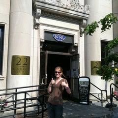 Photo taken at Ri Ra Irish Pub and Restaurant by Lindsey S. on 8/20/2011