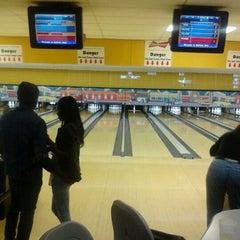 Photo taken at Midtown Bowl by Misha PinksugarAtlanta S. on 1/14/2012